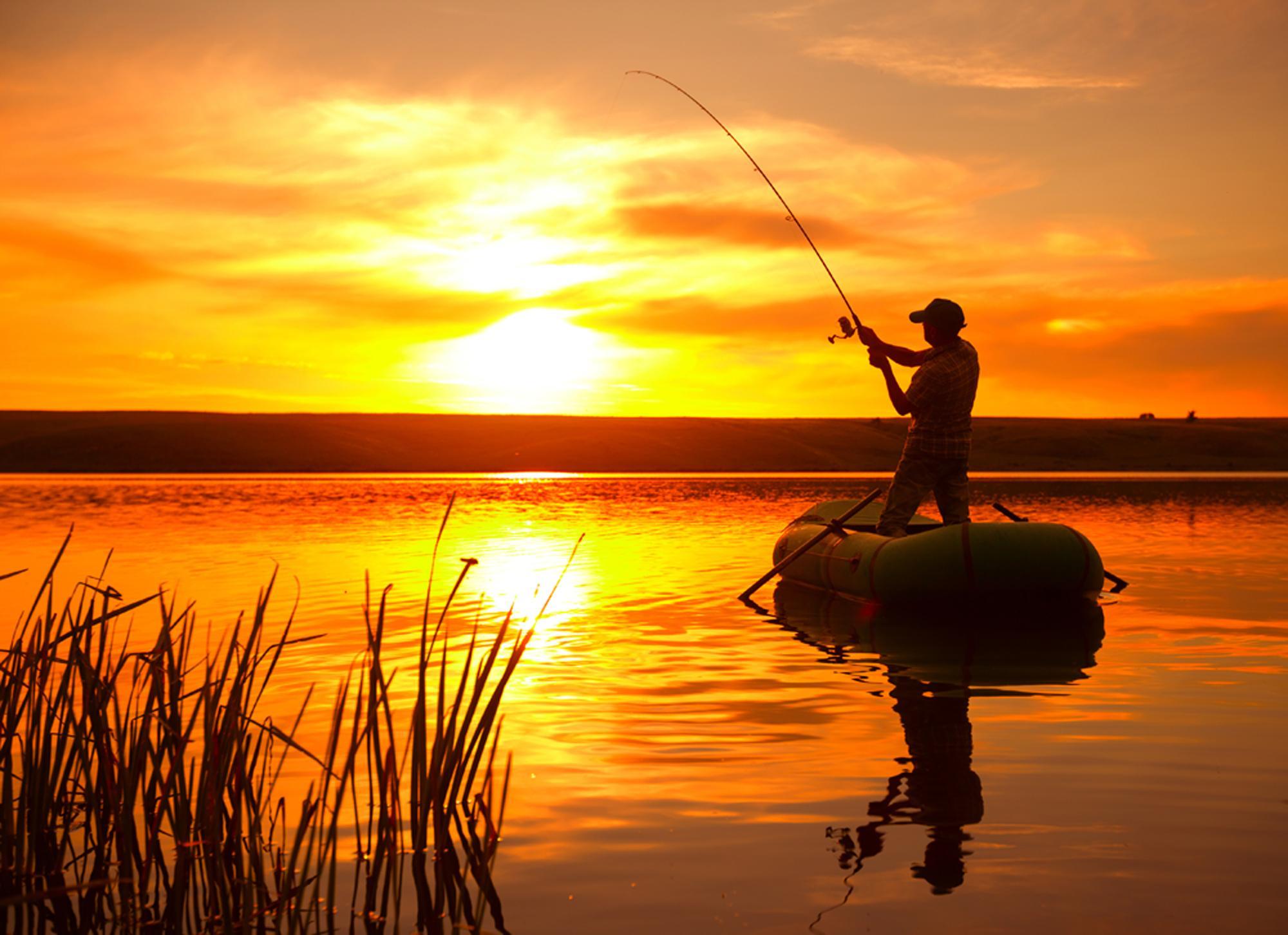 Рыбак лодке картинки