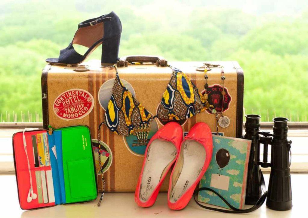 Необходимые в путешествии вещи.  Вещи для путешествия. Поездка в Вилково. Отдых в Вилково. Полезная информация для туристов Вилково-Тур