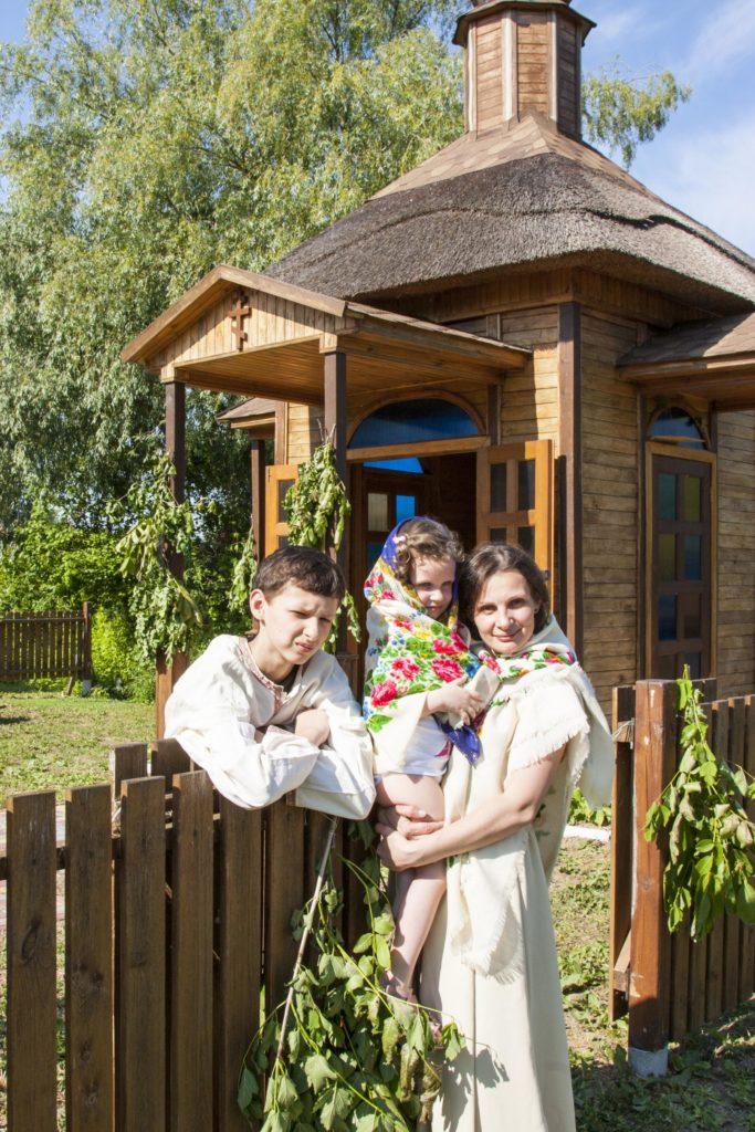 Отдых для всей семьи в Вилково. Семейный отдых. Фотозона. Традиционные наряды Вилково. Вилково. Дунай