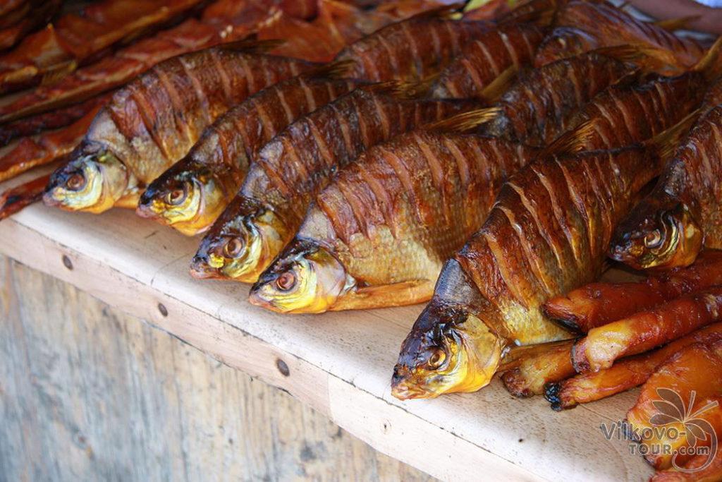 Великолепные копчености и солености. Рыбка - пальчики оближешь! Копченый лещ. Самая свежая рыба. Самая вкусная копченая рыба. Туры Вилково-тур.